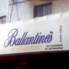 anuncios luminosos Ballantines