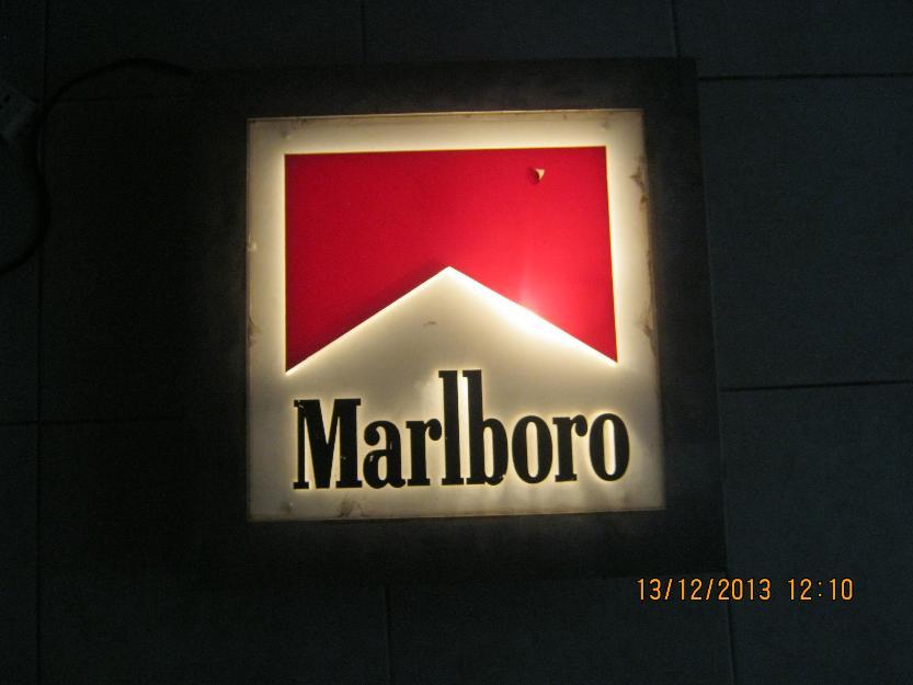 1387589158_580089680_1-Fotos-de--cartel-luminoso-marlboro