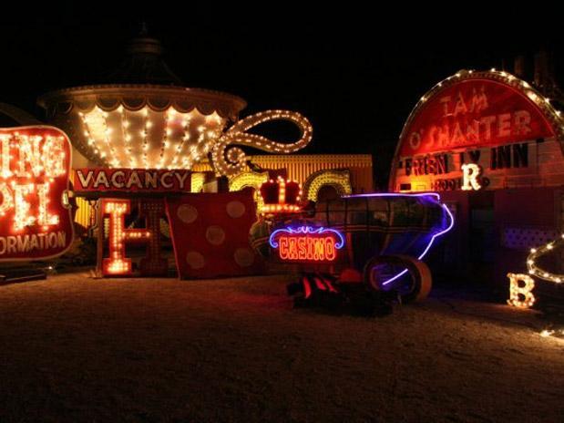 neon-museum-anuncios-las-vegas-10