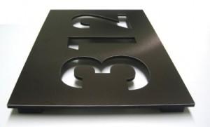 numero en aluminio